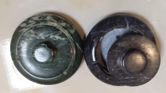 材质说明:蒙古黑石头 石匠坊本次推出以上 款石茶盘, 纸箱简易包装